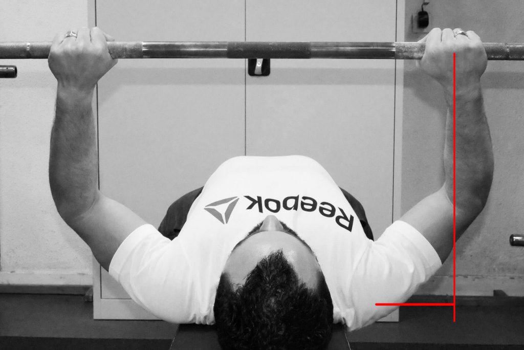 Développé couché : influence d'une prise de mains serrée sur la force nécessaire pour réaliser 'antépulsion des épaules